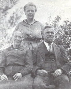 Mary Jones, Ellen and Albert Richins