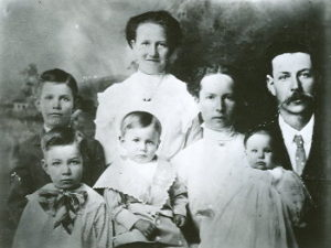 Roy, Lester, Francis, Emma, Annie, Adella and Jesse Barlow
