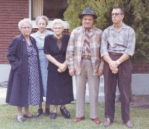 Sarah Tanner, Mrs Greenwell, Emily, Ray & Harvey Tanner